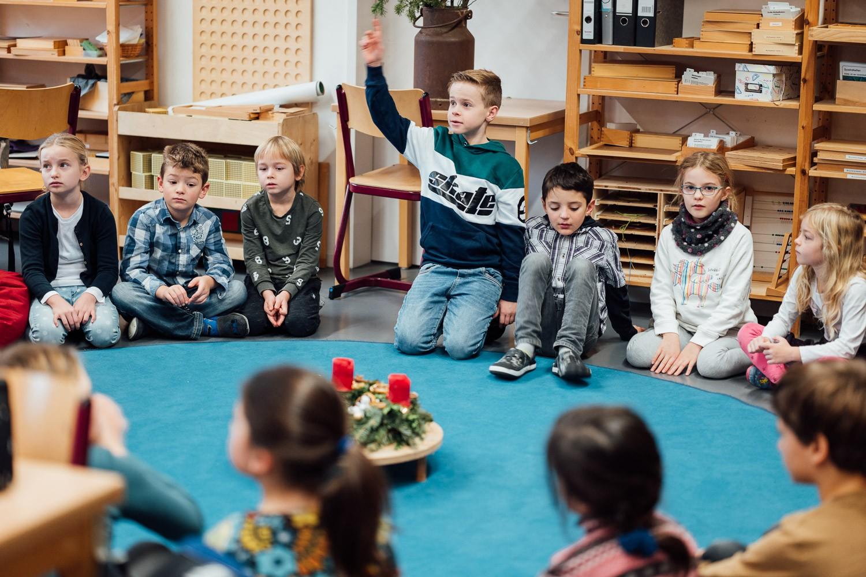 Sitzkreis in der Montessori Kaufering